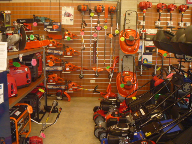 Wellingtons Home of Lawnmowers Trimmers Chainsaws and